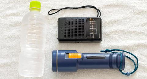 """大災害時の""""情報源""""、<br>ラジオへの注目度が急上昇ースマホは電源が切れたらOUT!?"""