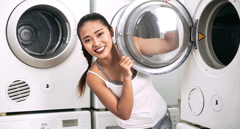 一人暮らしの社会人にもう洗濯機は不要!?<br> 今、コインランドリーが激アツ!