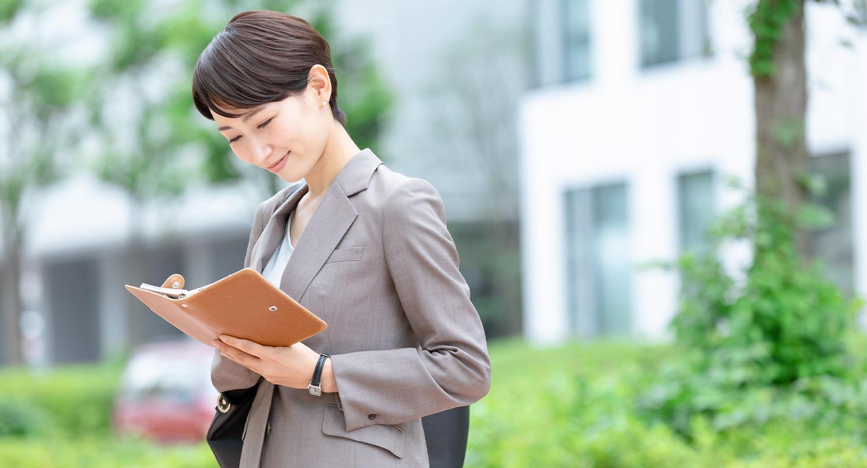 仕事を効率化するコツ10選!仕事が早い人と遅い人の違いとは?
