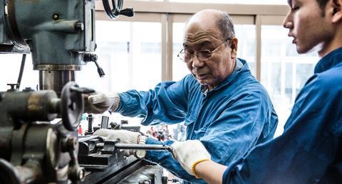 70歳まで働く時代がやってくる!高年齢者雇用安定法が改正されたって知っていた?
