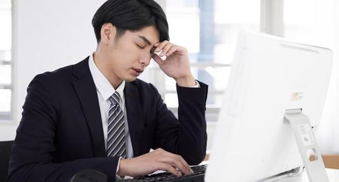 コロナ禍のテレワークで男性は「働きすぎ」、うつ傾向のリスクが約3.3倍に
