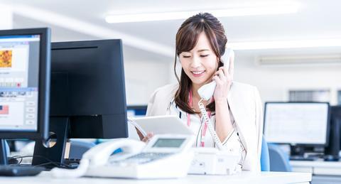【電話対応マニュアル】電話を取るとき、かける時のポイントや言葉遣いをチェック!