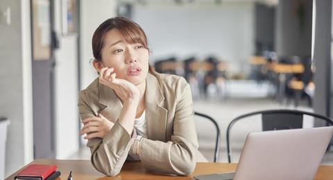 仕事を辞めたいと思ったら誰に相談すればいい?相談する相手や注意点を紹介