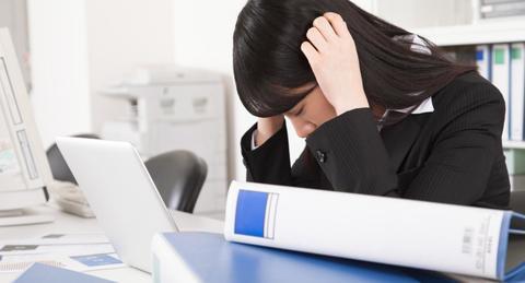 【仕事が終わらない】仕事が片付かない原因とすぐにできる対処法を紹介