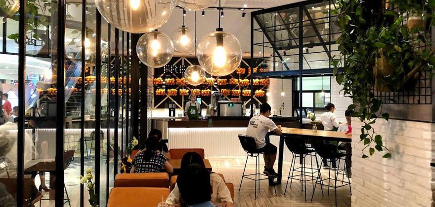「どこまで発展する!? 中国のびっくりIT最新事情」第10回名シェフの調理をロボットが再現。味でリピーターを生む無人レストラン