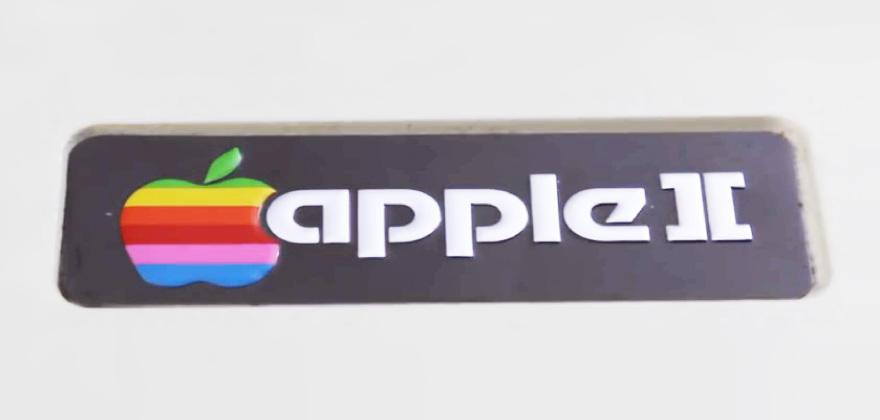 知っていたらおじさん認定。アップル・レインボーロゴの秘密